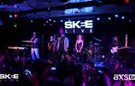 """T-Pain Performs """"Up Down (Do This All Day)"""" On SKEE Live"""